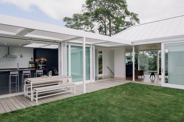 Architect John Irving Designed This Family Home In
