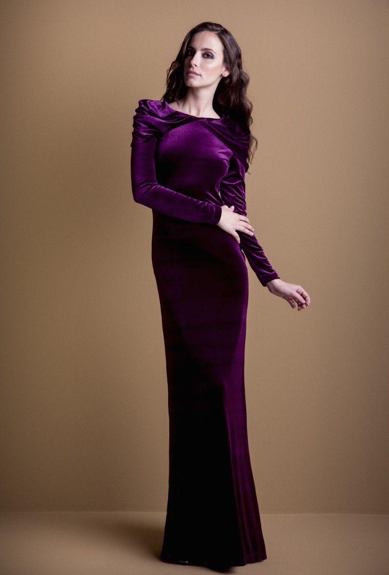 e0eaa3919 Vestido largo con corte ligeramente sirena