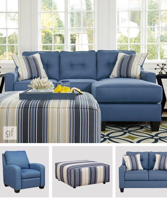Sofa chaise longue confortable d un bleu vibrant Les coussins et