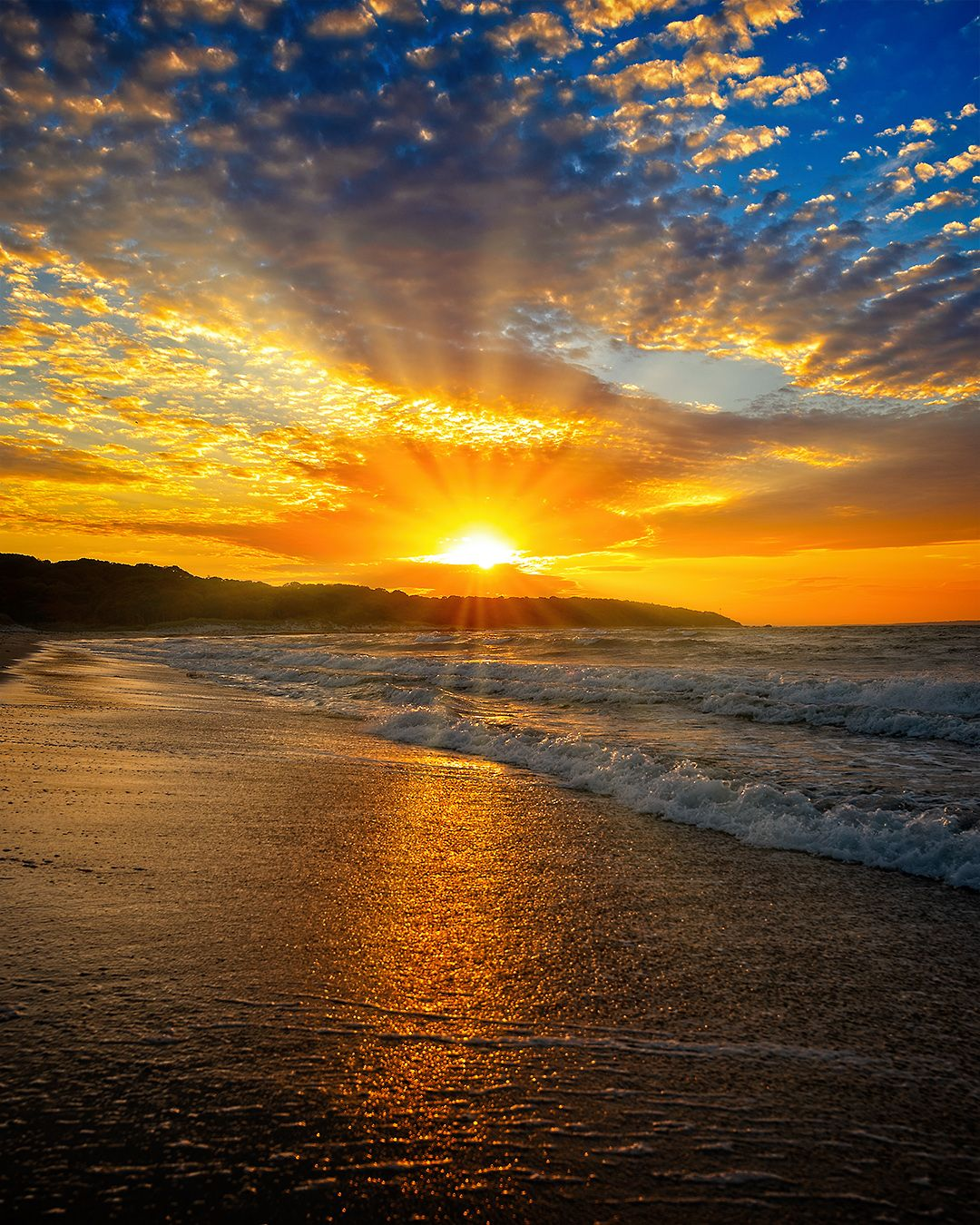 Top 11 Places to Photograph at Sunrise and Sunset in Martha's Vineyard featured by John Montes Jr on top New England travel blog and photographer, Shannon Shipman.