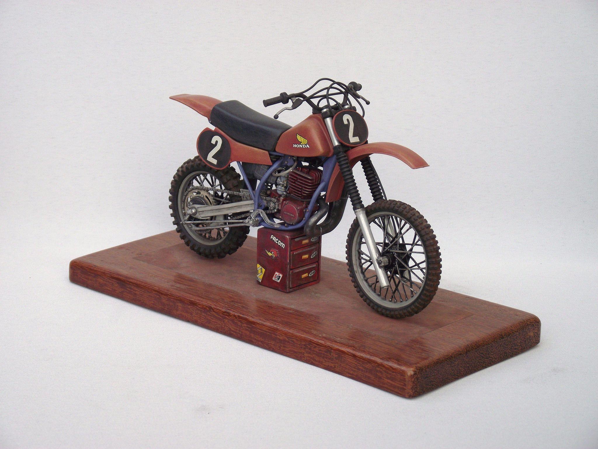 Scale Model Honda Motocrosser Motorbike 2 Scale Models Motorcycle Model Motorbikes