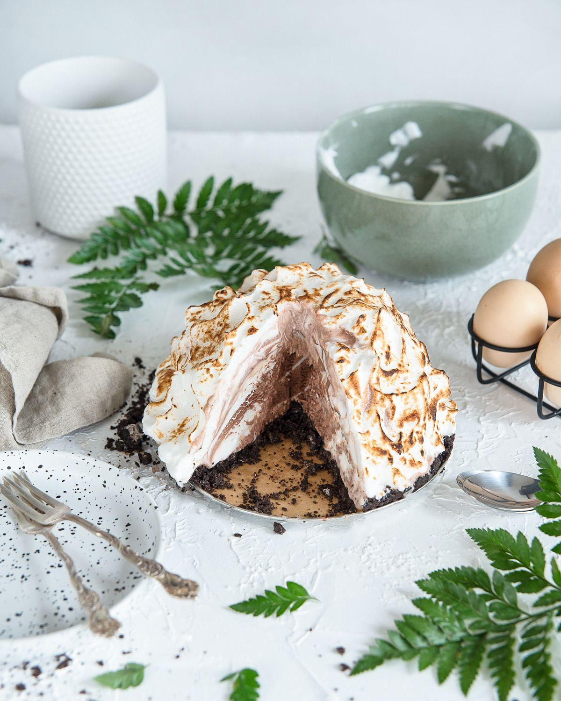Uunijäätelö Recipe Baked alaska, Alaska cake, Cake recipes