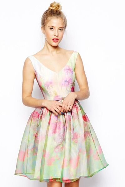 35d96e27f09e Robe Asos - 119 euros - MARIAGE. 25 robes à moins de 150 euros à porter  quand on est invitée - L EXPRESS