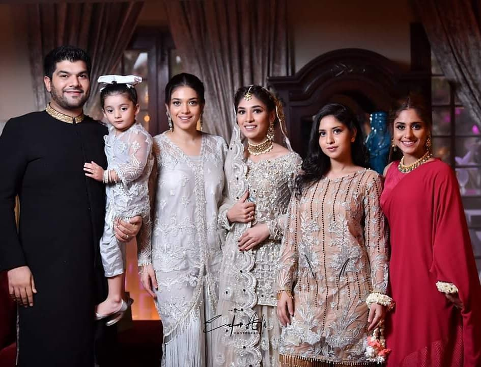 Sanamjung With Her Husband Her Daughter And Her Sisters Anum Amna And Sonia At Her Younger Sister Amnajung S Enga Bridesmaid Dresses Wedding Bride Daughter