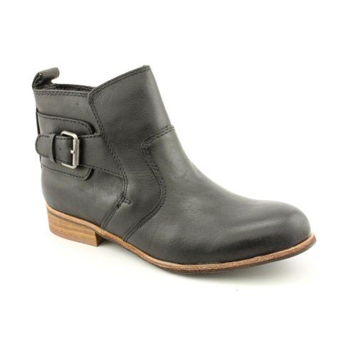 http://www.madpinner.com/dv-by-dolce-vita-womens-rodge-ankle-bootblack-leather6-m-us/ Kick up a sophisticated look with the Rodge ankle boots from Yellowbox. This ankle boot features layered leather with decorative side buckle detail and a smooth round toe. Full zipper and pull tab at the rear offers easier entry or removal. Interior lining is smooth and comfy, while the insole maintains lightweight cushioning in every step. Synthetic sole is sho...