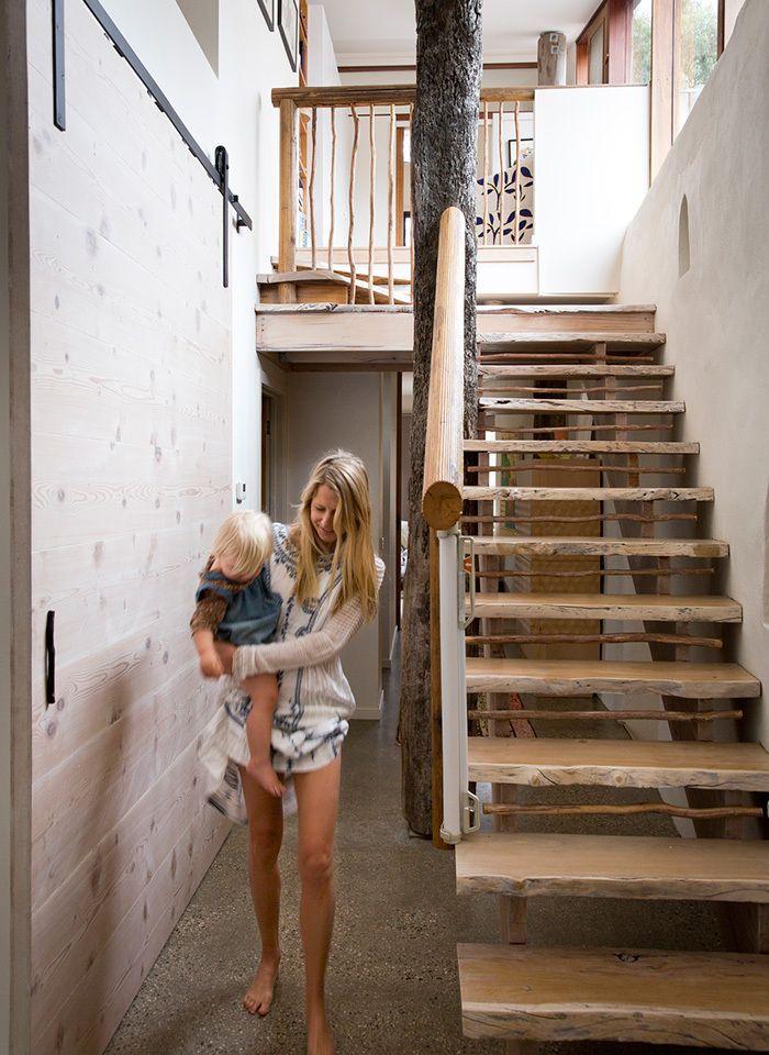 Eco Straw Bale house in Melbourne Escaliers, Maisons éco et Déco