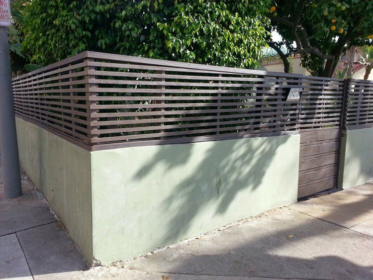 Wall Toppers Privacy Fence Harwell Design Fences Driveway Gates Los Angeles Santa Monica Modern Fence Design Fence Design Vertical Garden Wall Planter