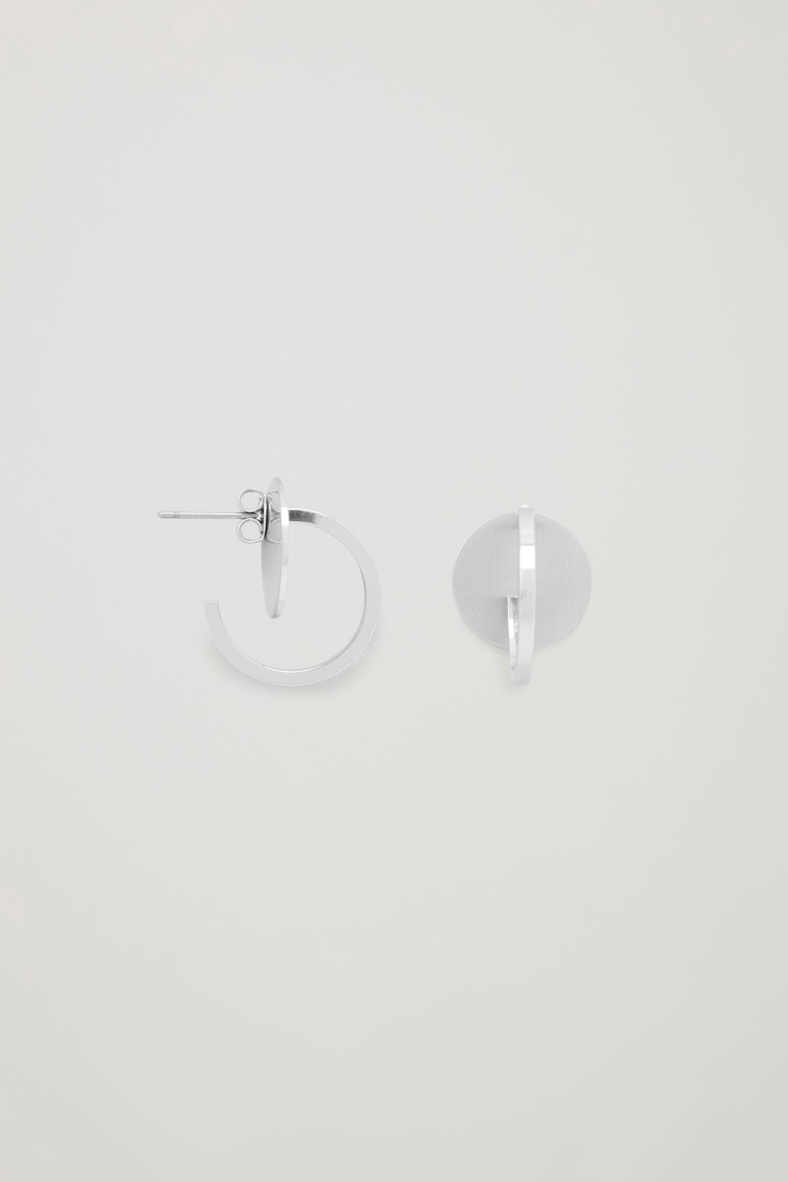 5611082ee SMALL METAL-DISC HOOP EARRINGS - silver by COS | Products | Earrings ...