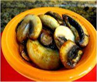 SHREE MAA'S SAUTEED MUSHROOMS: This simple, tasty sautéed mushroom recipe is one of Swamiji's favorites and it takes less than ten minutes to prepare!  http://www.shreemaa.org/shree-maas-sauteed-mushrooms/