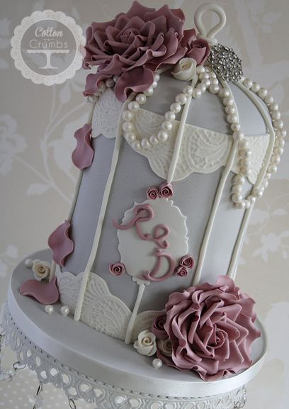 Vintage Pearl Birdcage Cake