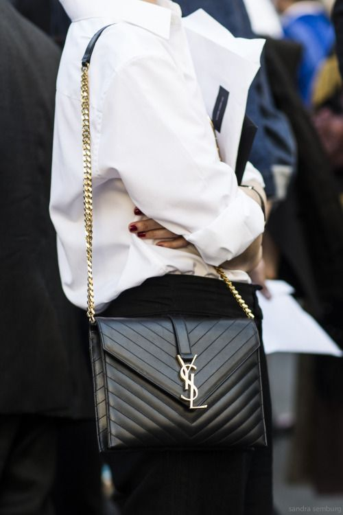 Such a great YSL bag. A classic you can use for many years.