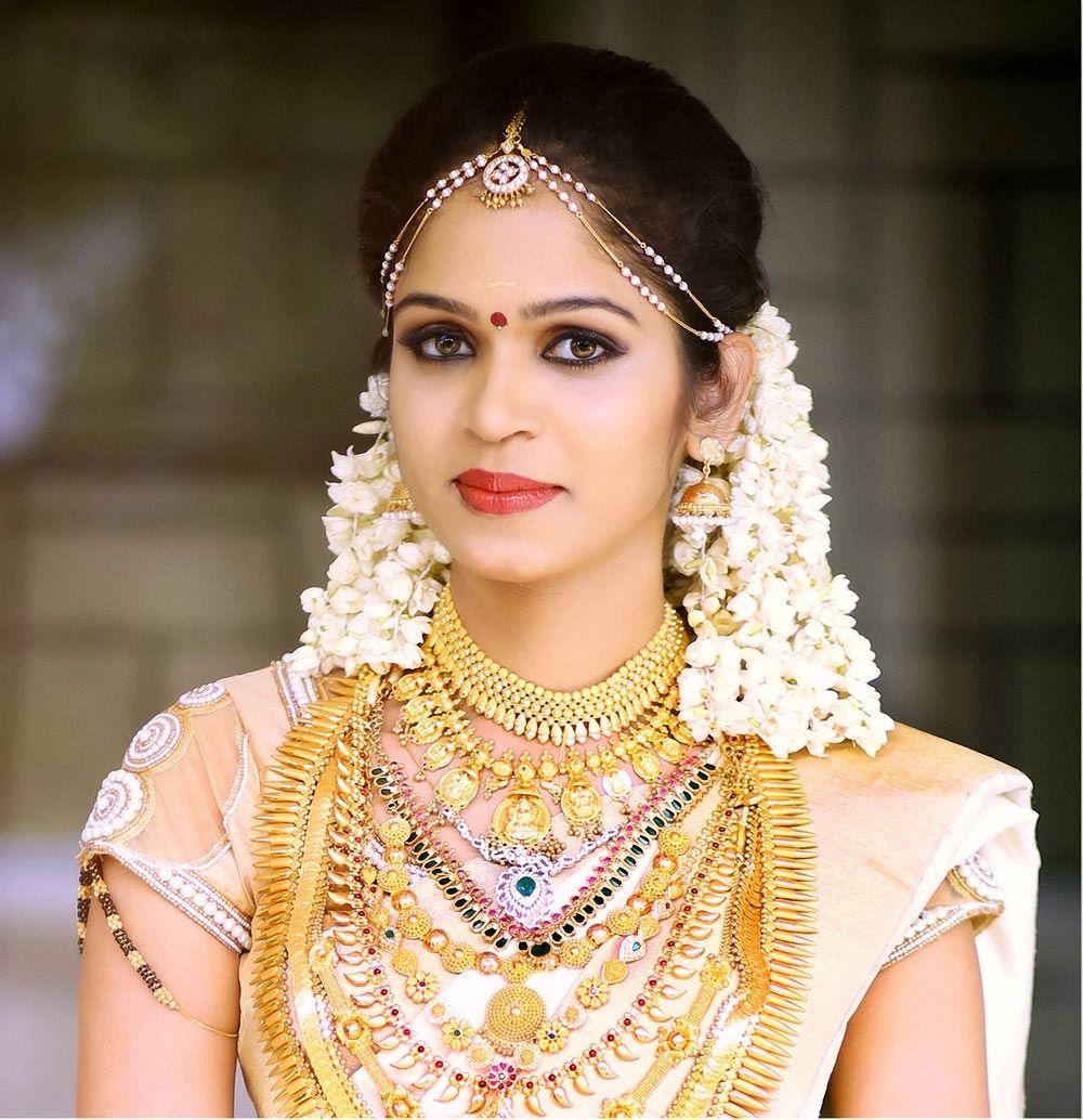 Cute Easy Wedding Hairstyle Kerala Hindu Picture Wedding Photography Company Fun Wedding Photography Kerala Wedding Photography