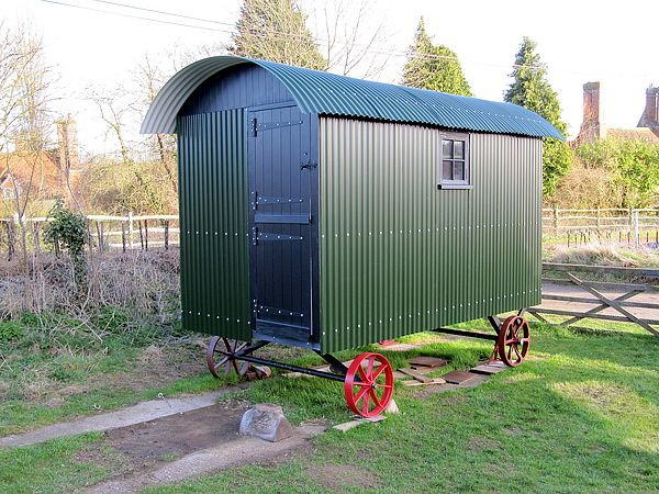I Actually Quite Like The Siding On This Shepherd S Hut Shepherds Hut Small House Tiny House