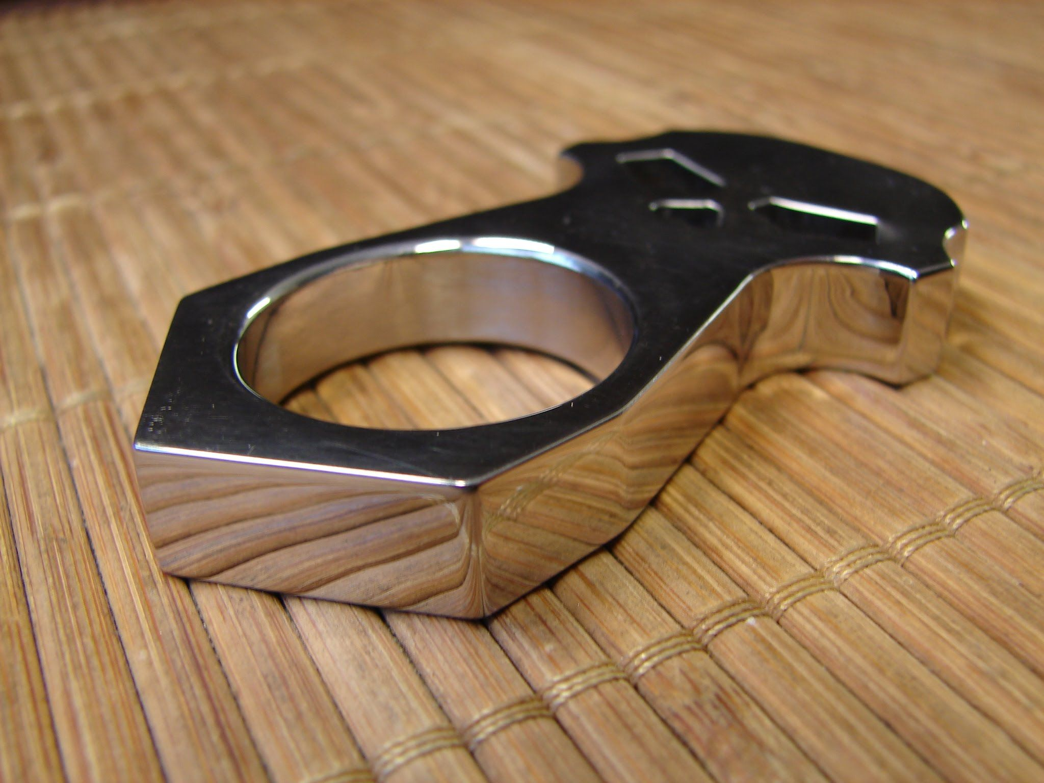 Wooden Knuckles Single Finger Knuckle Duster Google Search Knuckles And Clubs