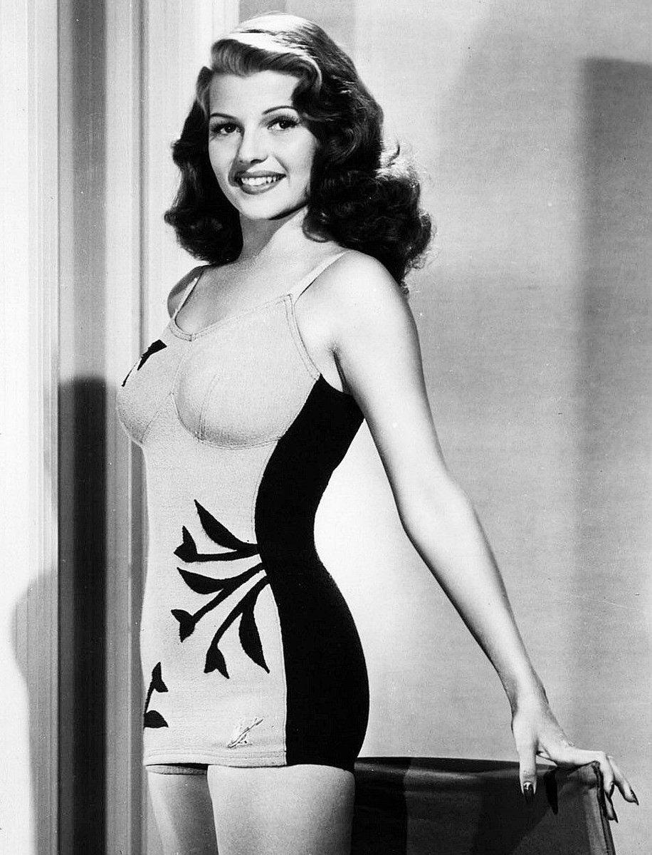 Stunning Rita Hayworth #classicactresses