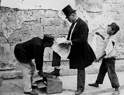 Antichi mestieri . il lustrascarpe