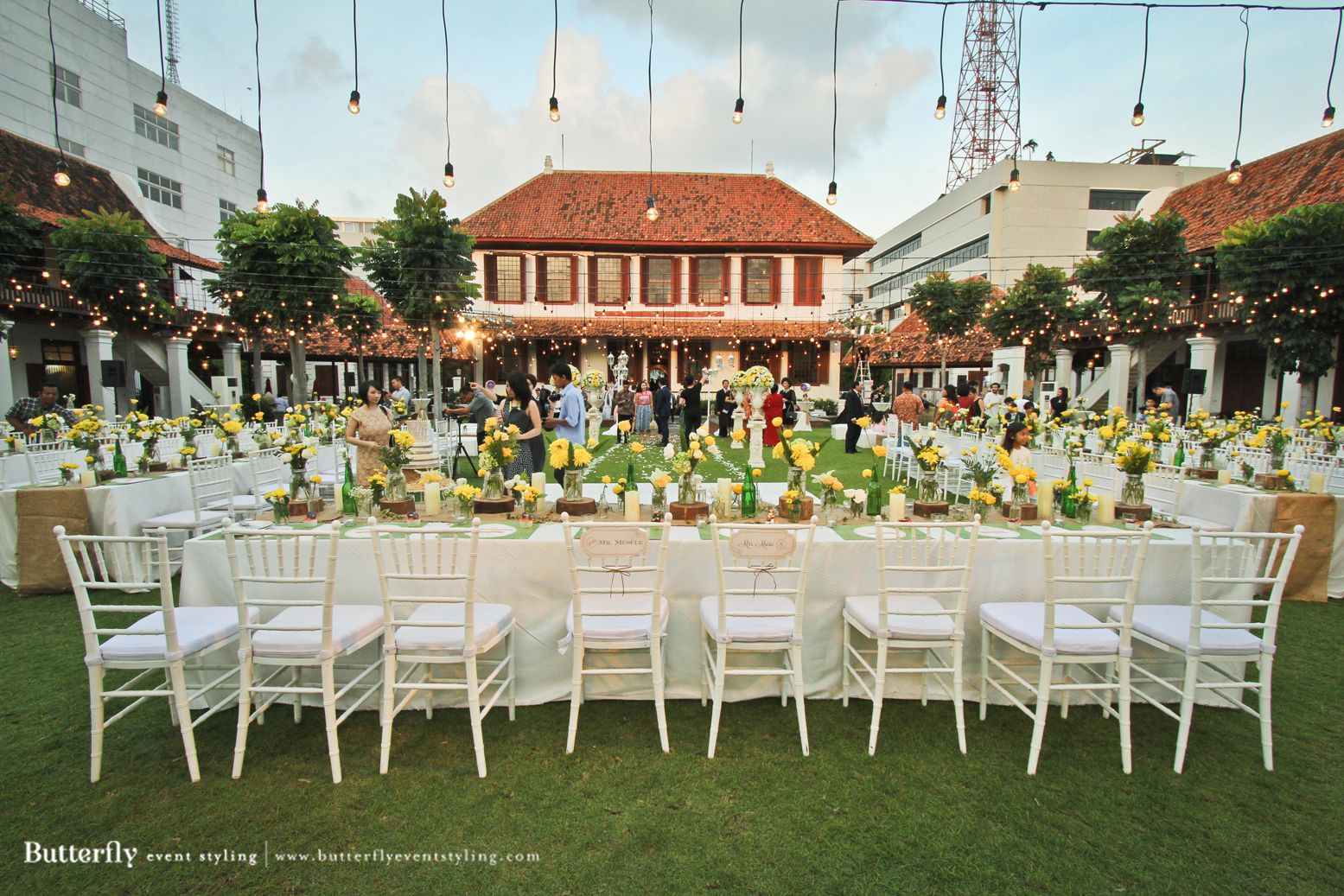 Top outdoor wedding venues in jakarta the bride dept gedung arsip top outdoor wedding venues in jakarta the bride dept gedung arsip outdoor wedding venue jakarta junglespirit Image collections