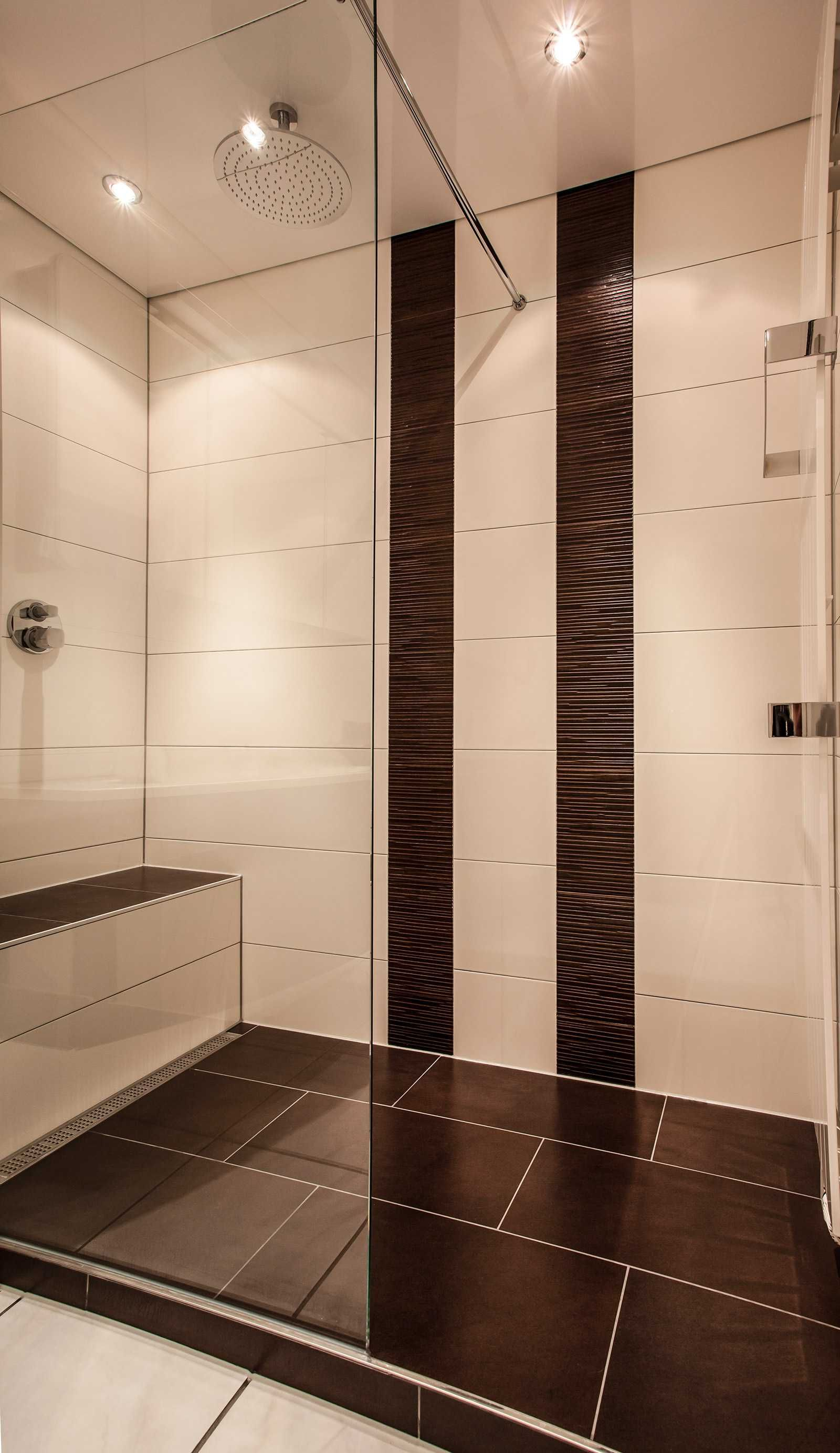edle duschkabine mit sitzm glichkeit und gro em. Black Bedroom Furniture Sets. Home Design Ideas