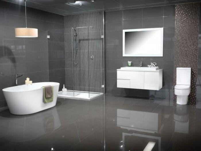 Wandfarben Wohnzimmer Grau : Interessantes Badezimmer   Graue Wandfarbe Und Weiße  Möbel