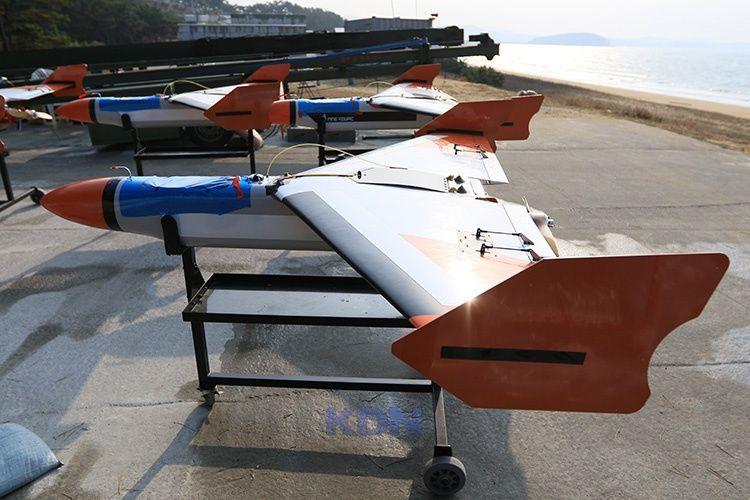 1회 비행을 위해 대기중 인 표적기들. - 자주국방네트워크-1회 비행을 위해 대기중 인 표적기들.