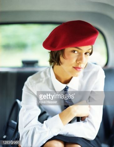 467cea513d9fa how to wear a beret with short hair - Google Search