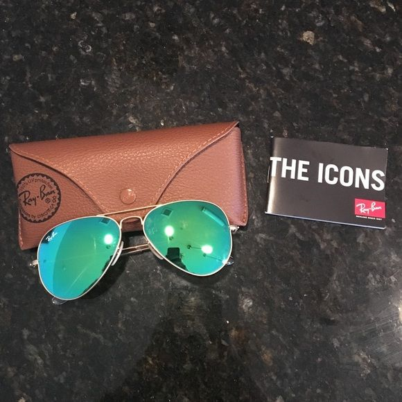 Ray-Ban Aviators with green flash lenses (RB3025) Brand new, never been worn, case included. Ray-Ban Accessories Sunglasses