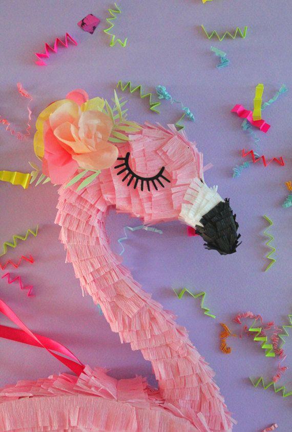 Flamingo party 15 flamingo pi ata flamingle tropical for Decoracion para pinatas