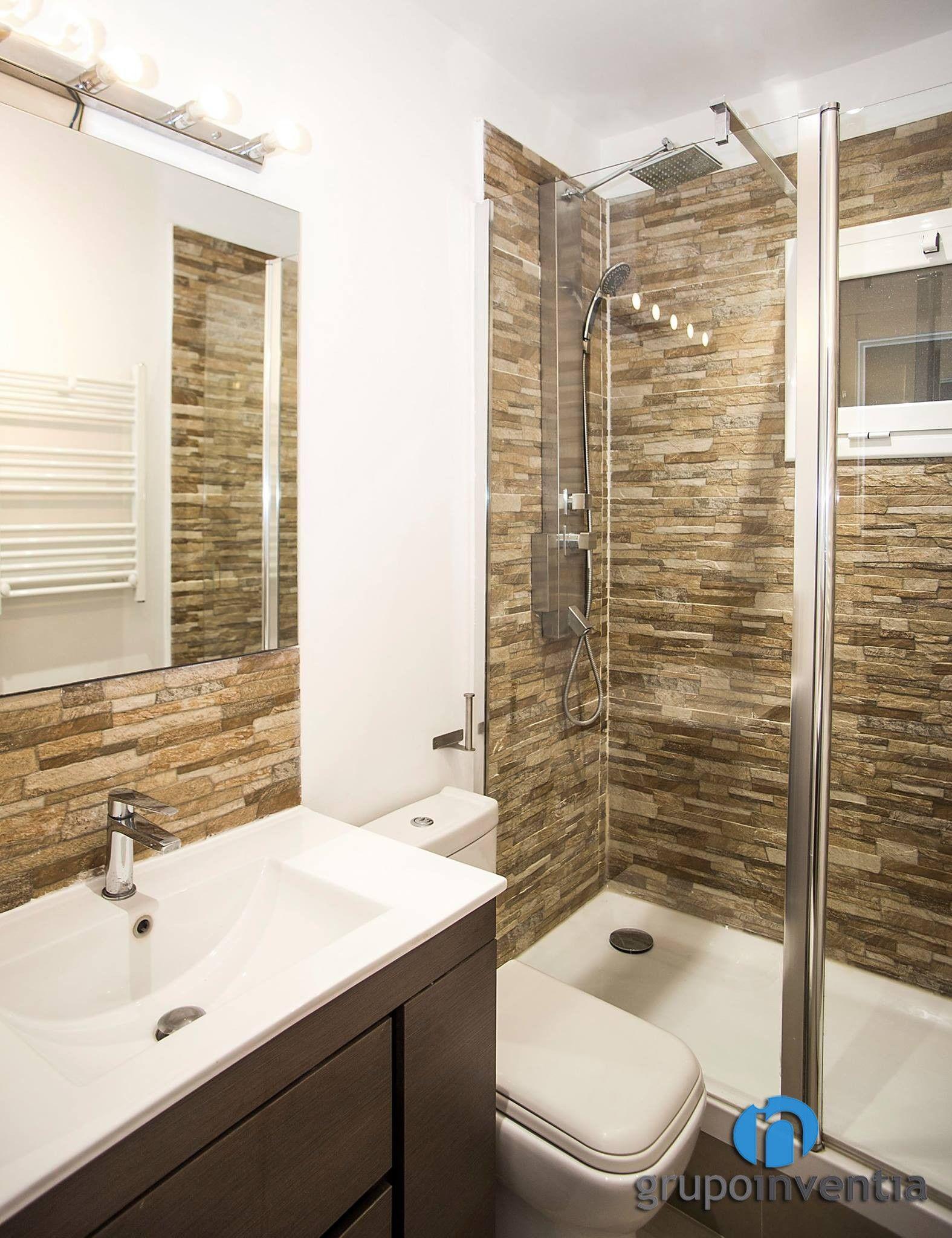 Cuarto de baño con ducha. #bathroom #toilet #shower #BCN ...