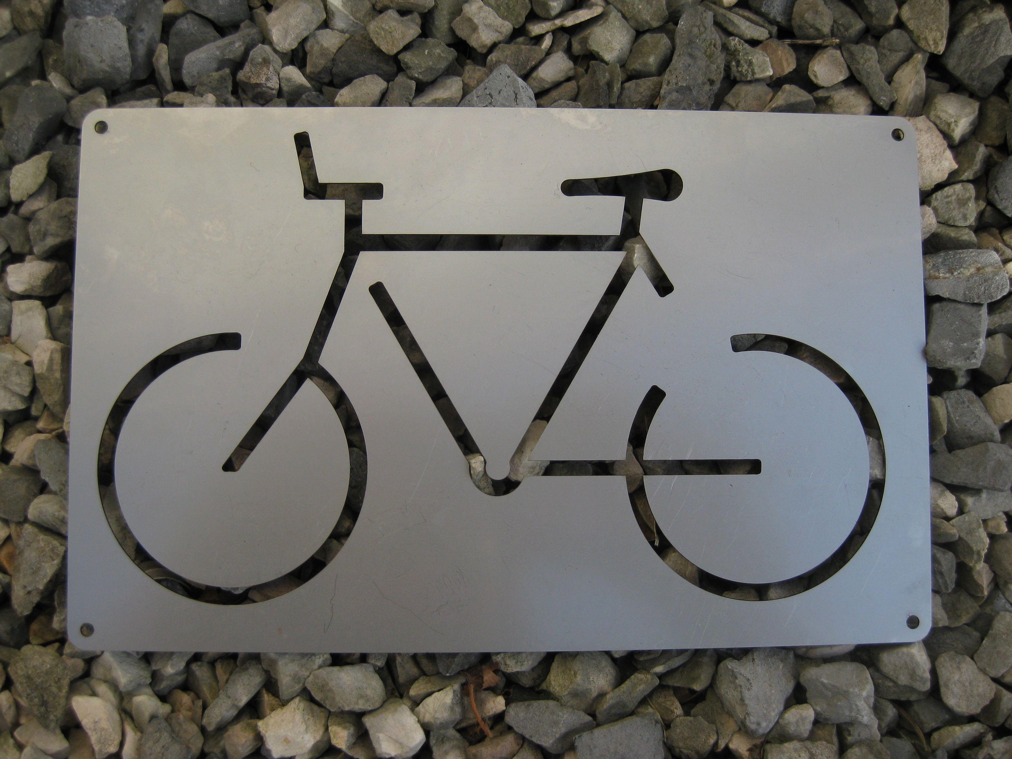 Fahrrad Schild Aus Edelstahl Gelasert Ab Jetzt Ist Der Platz Fur Das Fahrrad Reserviert Fahrrad Schild Schilder Fahrrad