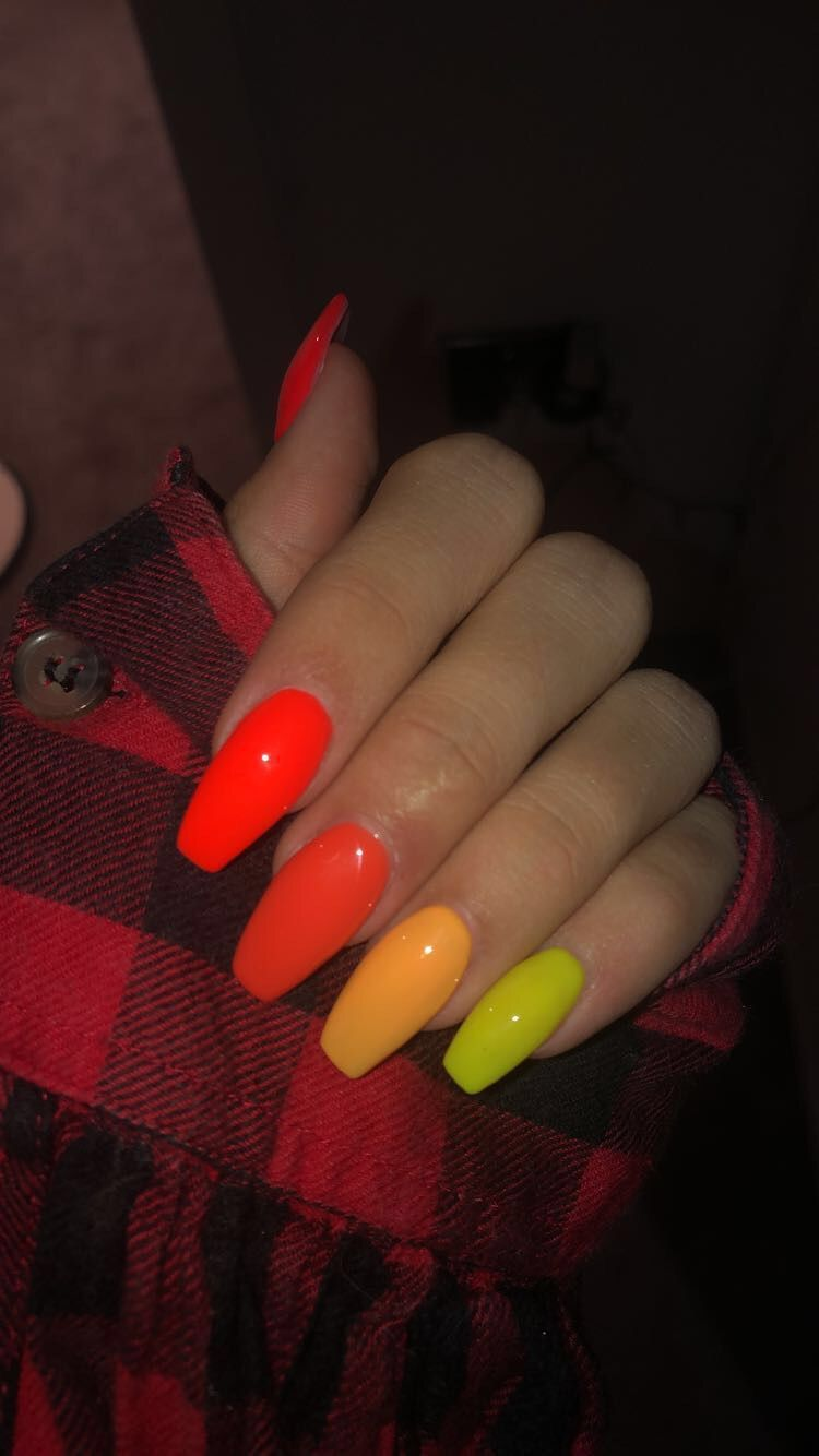 Red To Yellow Acrylics Black Acrylic Nails Holiday Acrylic Nails Red Nails