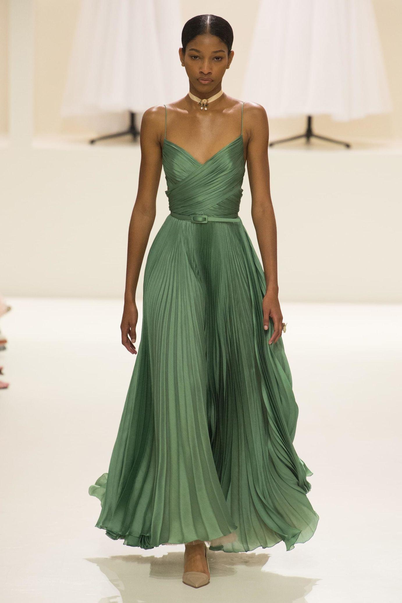 f4f4a21a4ae Christian Dior Haute Couture Automne-Hiver 2018 - Défilés en 2019 ...