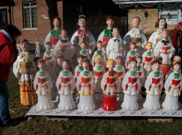 Plastic Blow Mold Christmas Decorations: Blow Mold Choir - Can't Think Of New Ideas For Christmas Decor? Check Out These Photos