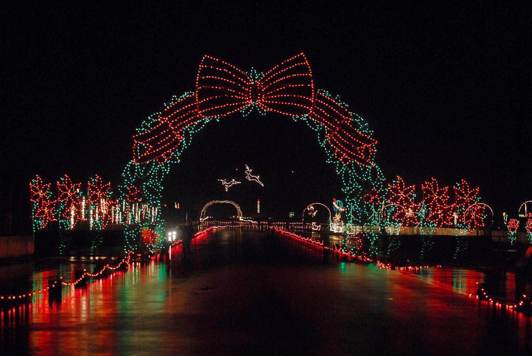 These Off The Beaten Path Holiday Light Displays Will Blow Your Mind With Images Holiday Lights Display Holiday Lights Xmas Lights