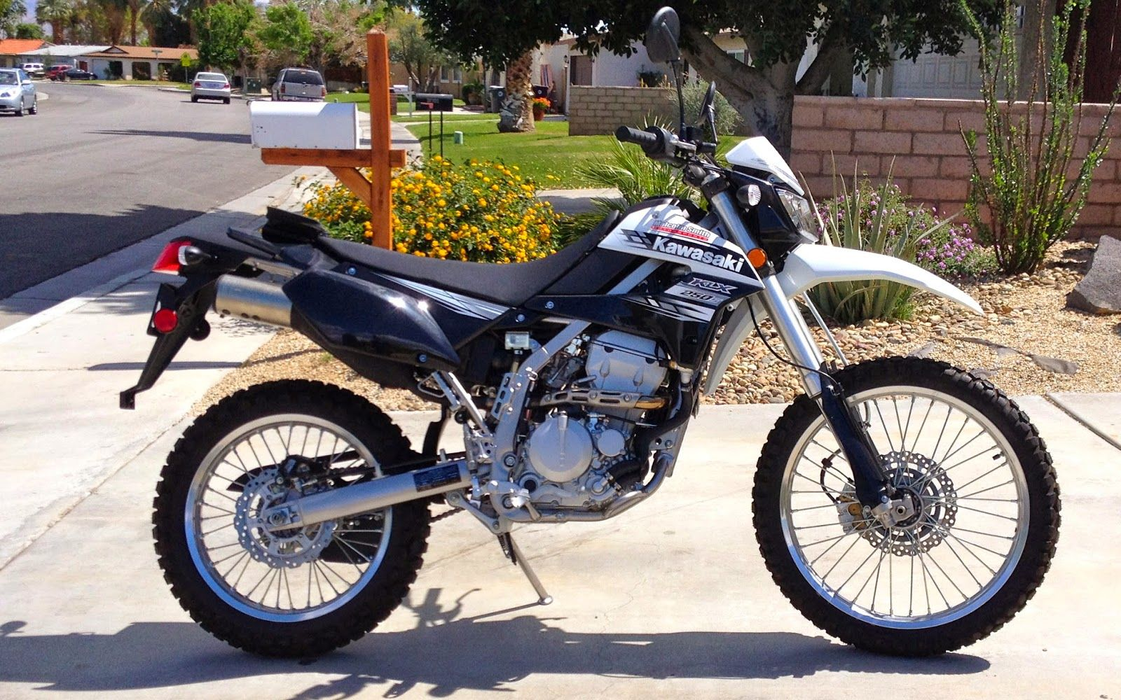 kawasaki klx250s getting to know my kawasaki klx 250s first ride kawasaki d tracker klx. Black Bedroom Furniture Sets. Home Design Ideas