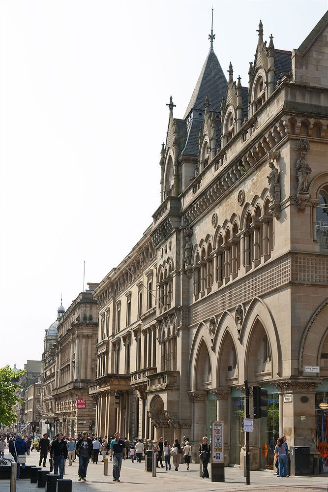In Glasgow George Square Is One Of The Main Landmark To Visit Carlton