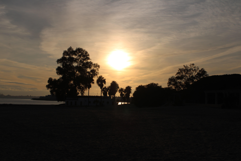 atardecer en la playa de la puntilla en El Puerto de Santa María