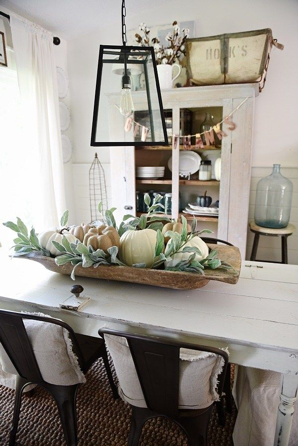 20 Dreamy Farmhouse Style Fall Decor Ideas Farmhouse Style Dining Room Dining Room Centerpiece Dining Centerpiece