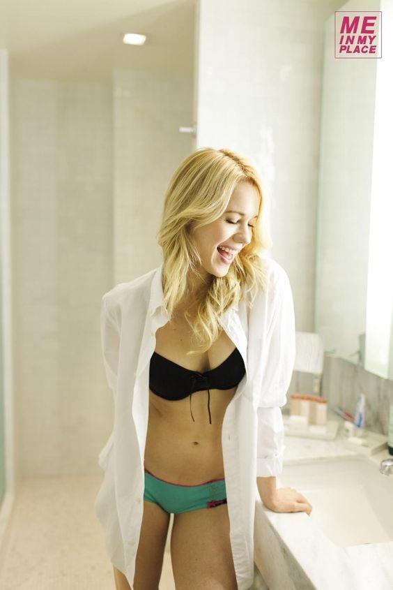 Kristen Hager Sexy