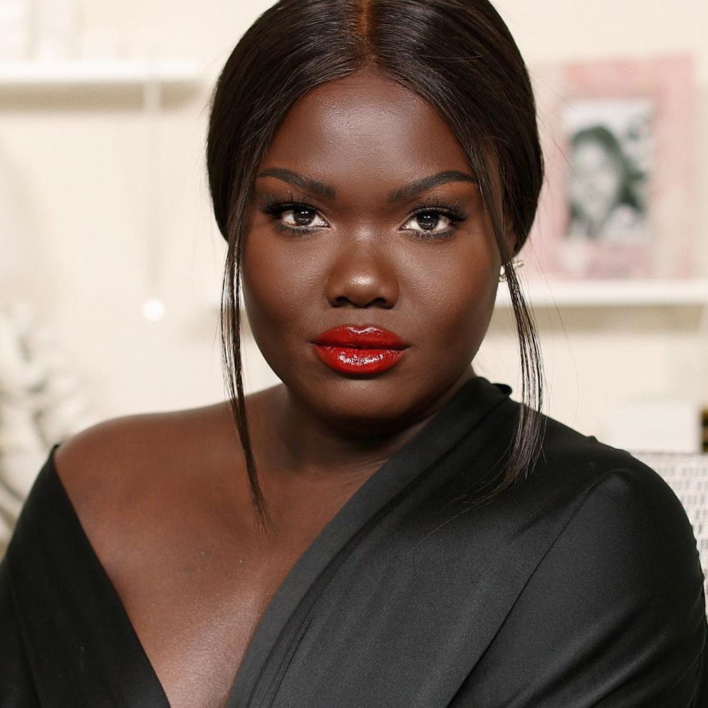 Top 10 Beauty Youtubers You Should Definitely Sub To Society19 In 2020 Beauty Youtubers Dark Skin Makeup Beauty
