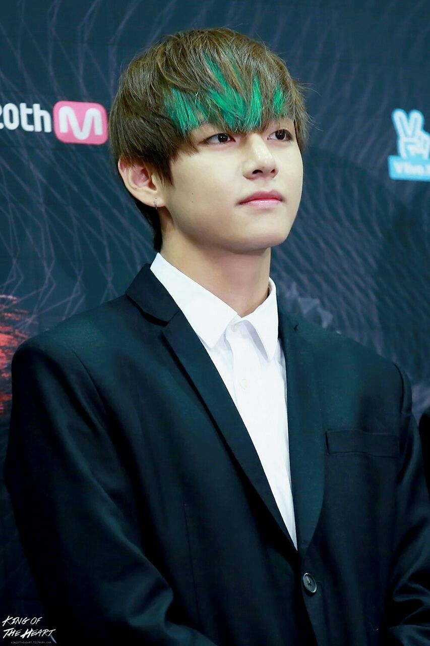 V Hair Calor Green V Pinterest Bts Bts Taehyung And Taehyung