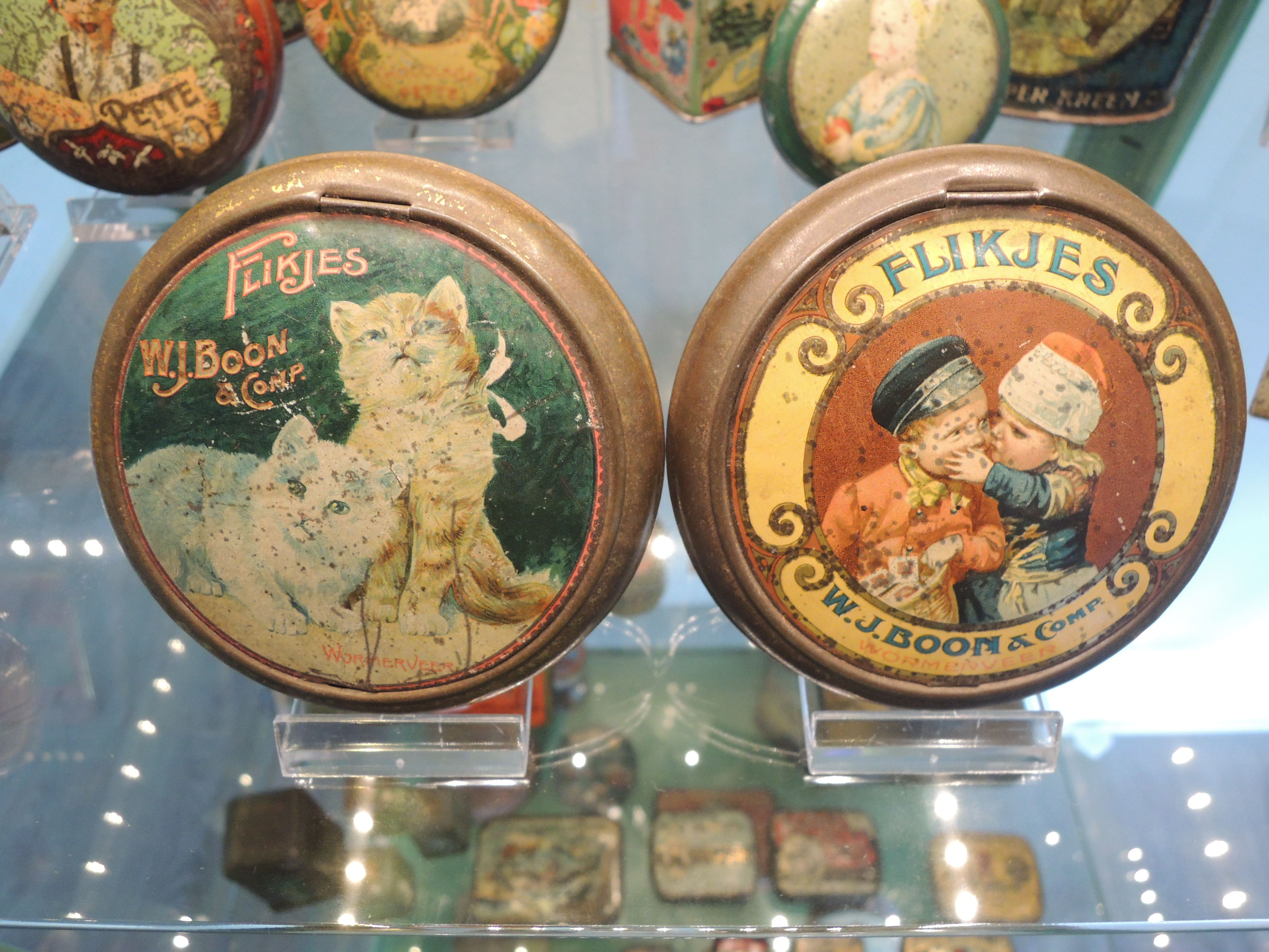 Love my tins from W.J. Boon, flikjes