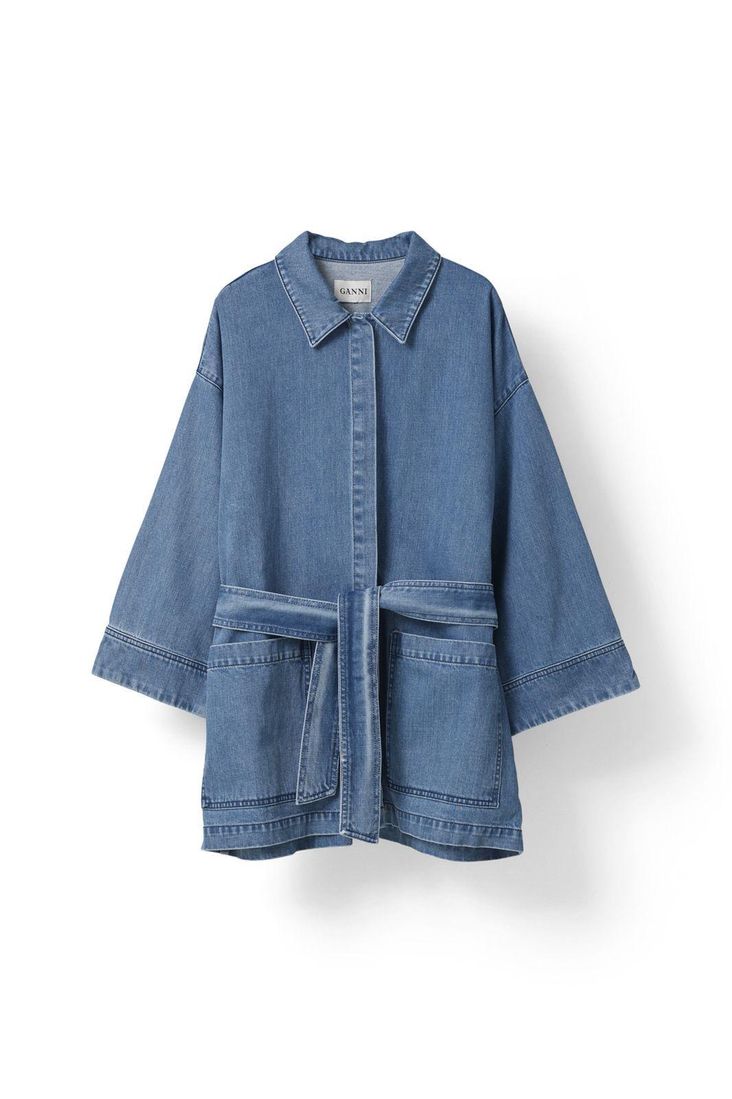 Denim er det hotteste. Punktum. Og om du er på jagt efter de perfekte jeans eller den nye denimjakke, kan du shoppe de bedste fund her