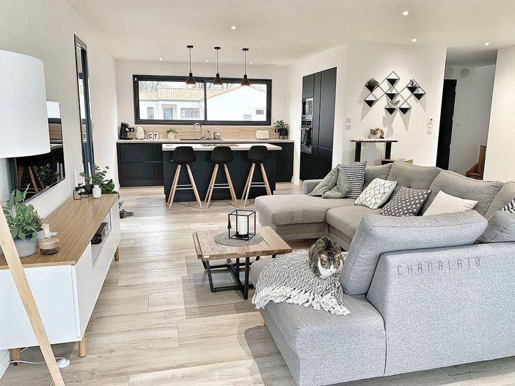 Photo of Das Bild kann enthalten: Wohnzimmer, Tisch und Innenraum #include #interieur ..… | Décoration salon appartement, Décoration salon séjour, Décoration salon cocooning