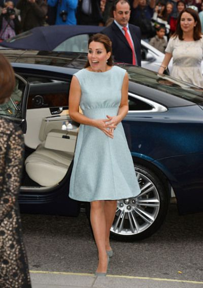 We love this baby blue maternity dress!  Catherine, Duchess of Cambridge greats people as she attends an evening reception to celebrate the work of The Art Room charity