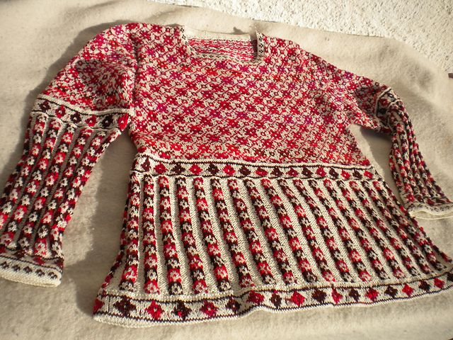 Ravelry: runningsusi's top down sweater
