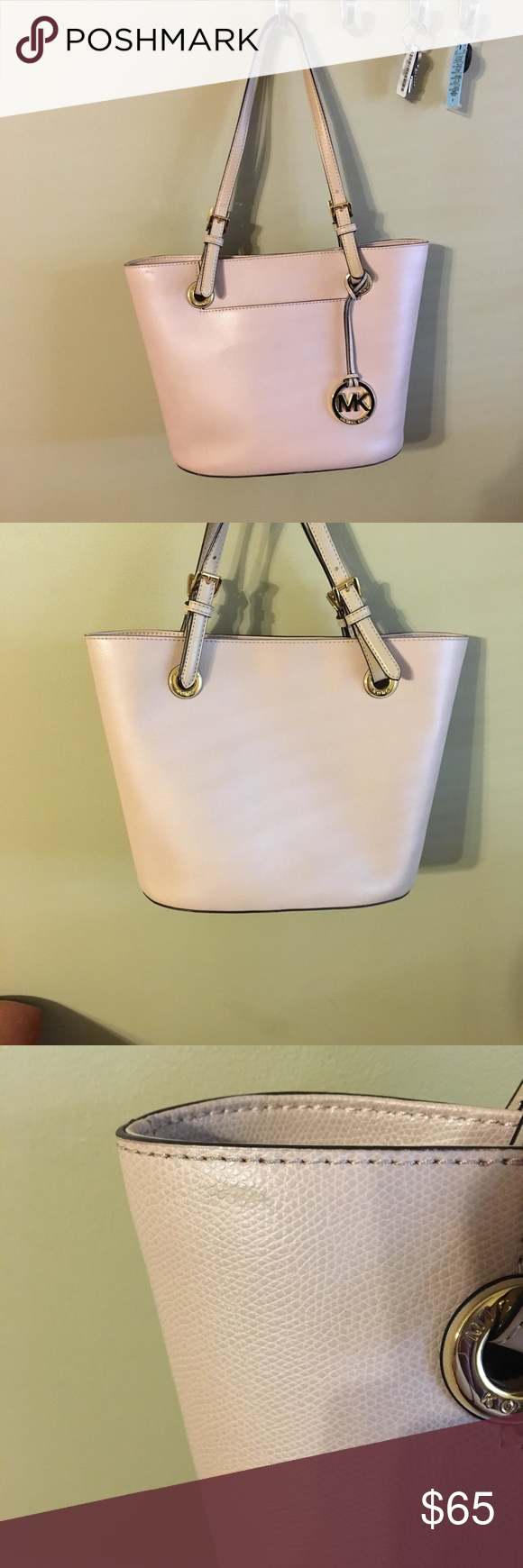 3a869167726e68 Michael Kors purse Cute light pink Michael Kors purse with gold detailing  💕 LIGHTLY used but it does have a scuff and a smudge on it that's barely  ...