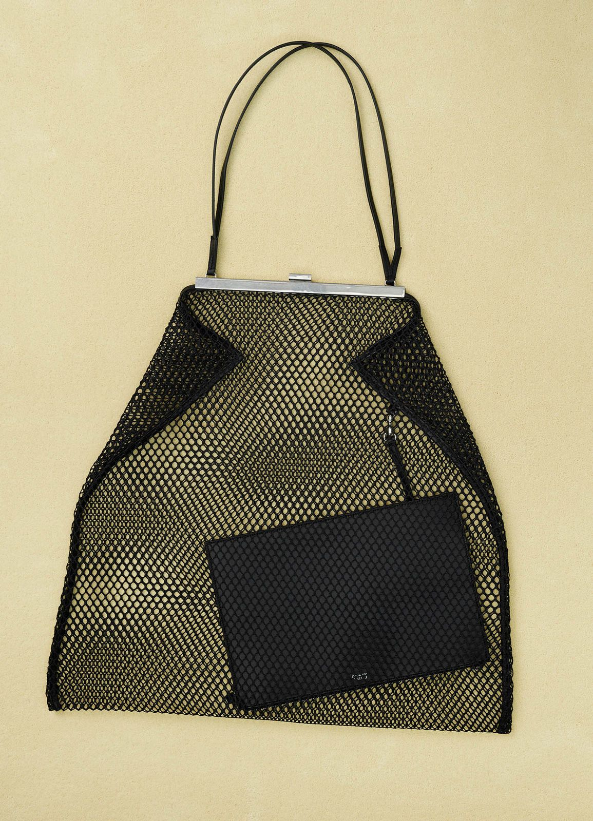 3e7d22803fd Net Clasp in textile and calfskin