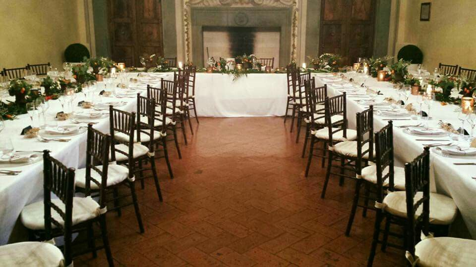 Wedfing reception table at Castello Oliveto @violamalva