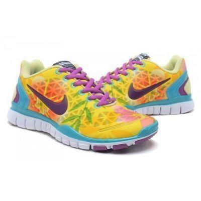 20e7468bb80 tênis Nike colorido feminino para corrida