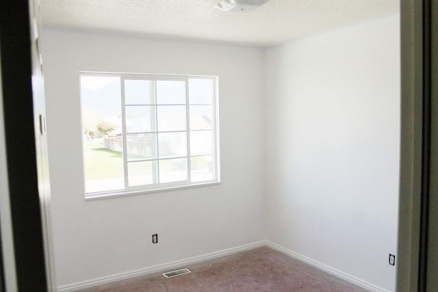 White Walls And Reader S Choice Ceiling Paint Color Chris Loves Julia